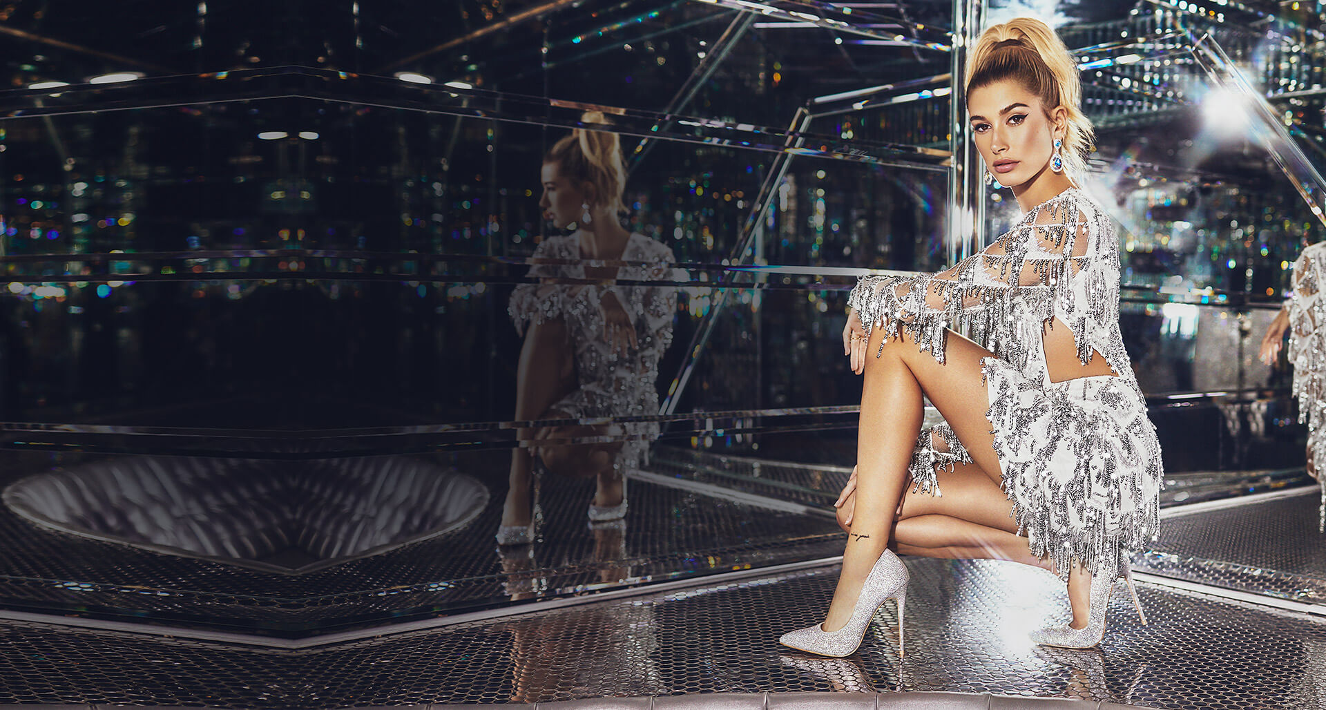Hailey Baldwin Header Desktop