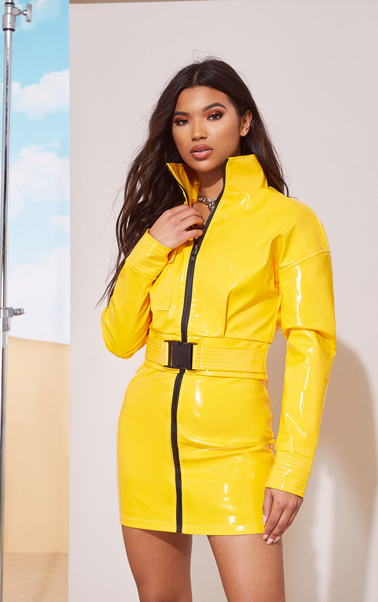 YELLOW VINYL BUCKLE DETAIL CROP JACKET