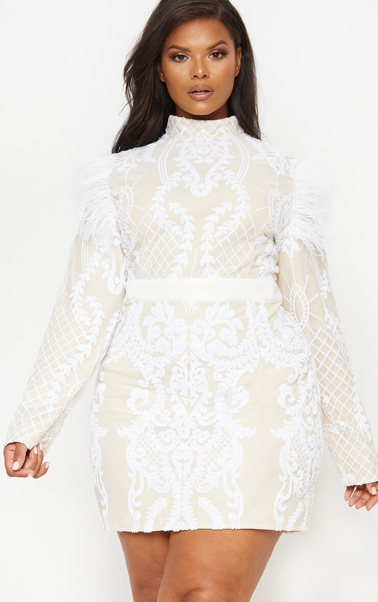 Robe moulante blanche en sequins
