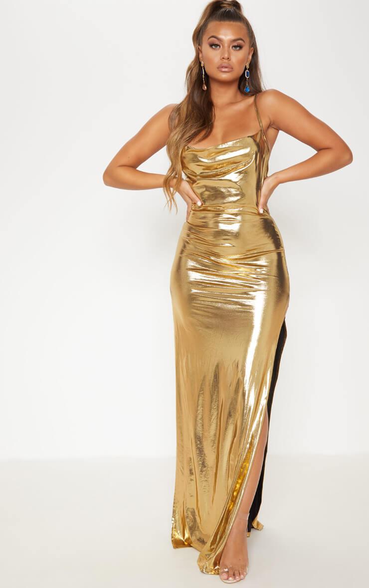 Robe dorée à col bénitier