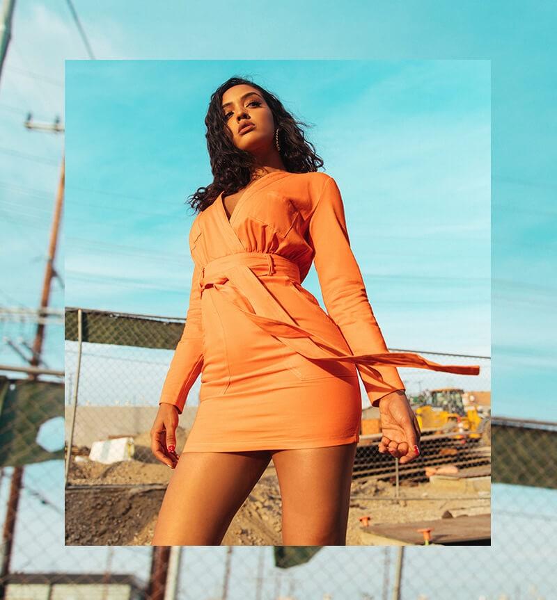 Izabela Guedes Shoot Neon Season 3 Mobile